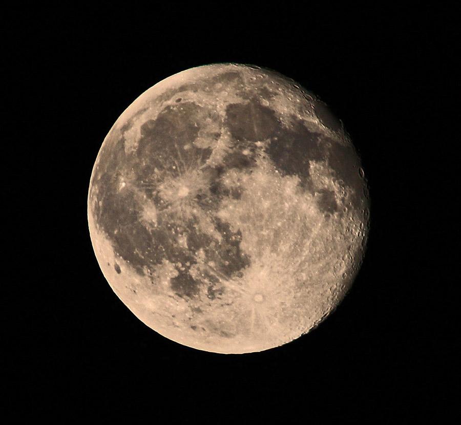 .. mal wieder der Mond