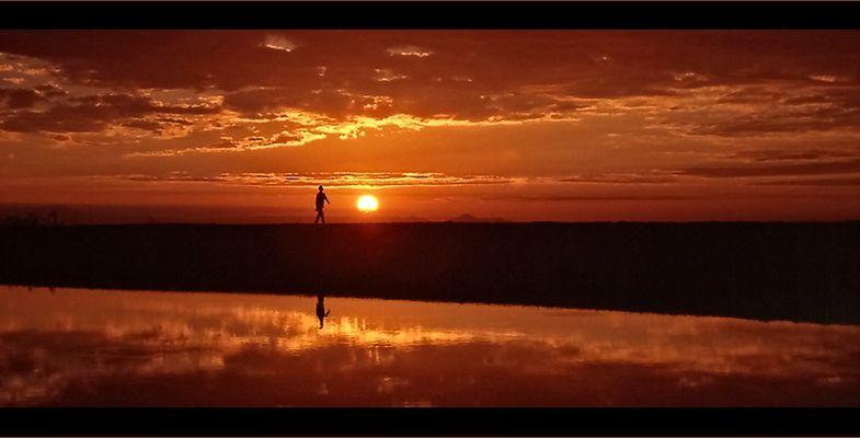 Malawi - Sunrise oder Der Sonne entgegen