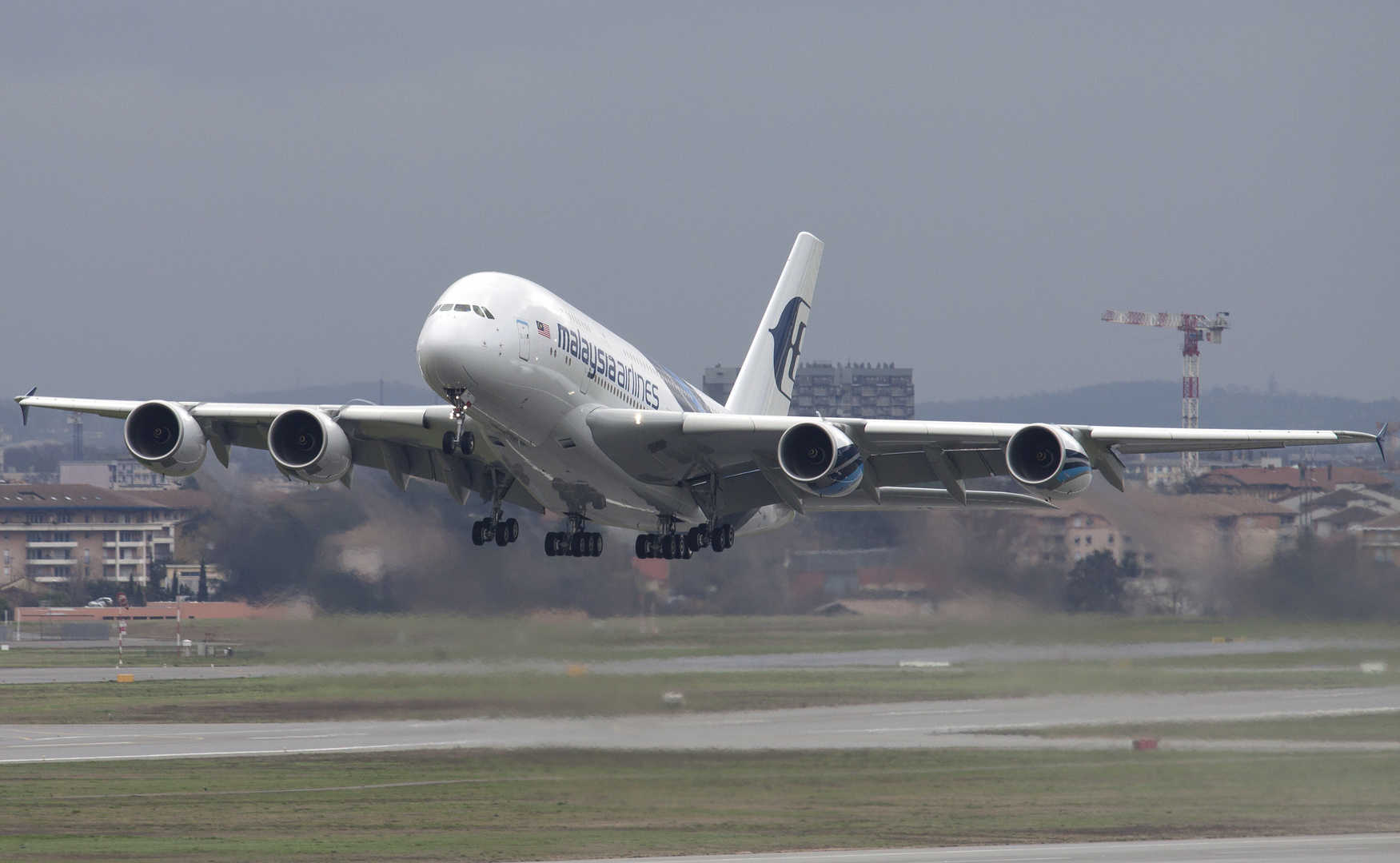 Malaysia Airlines A380 during Take off at Toulouse/Blagnac