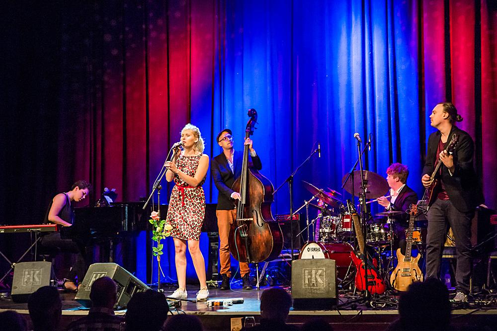 Malene Mortensen und Band
