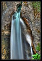 Maligne Canyon - Waterfall