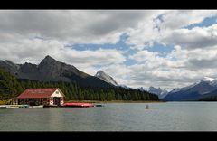 [ Maligne Lake ]