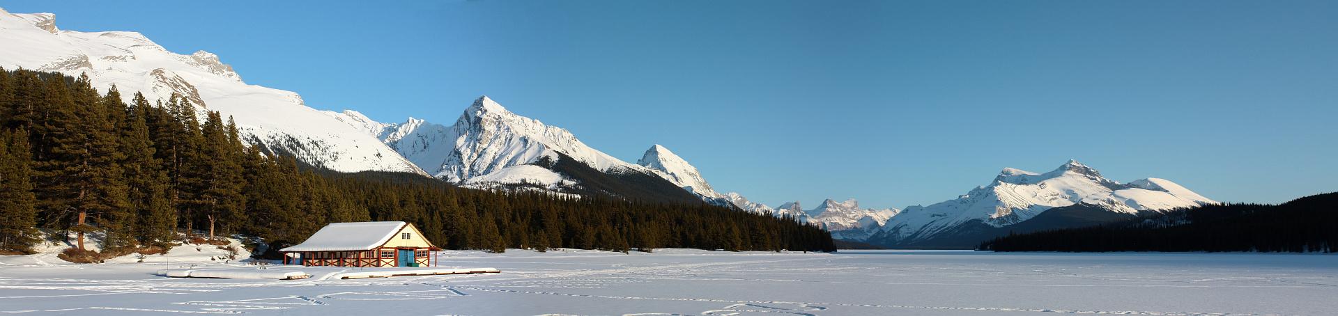 Maligne Lake Panorama