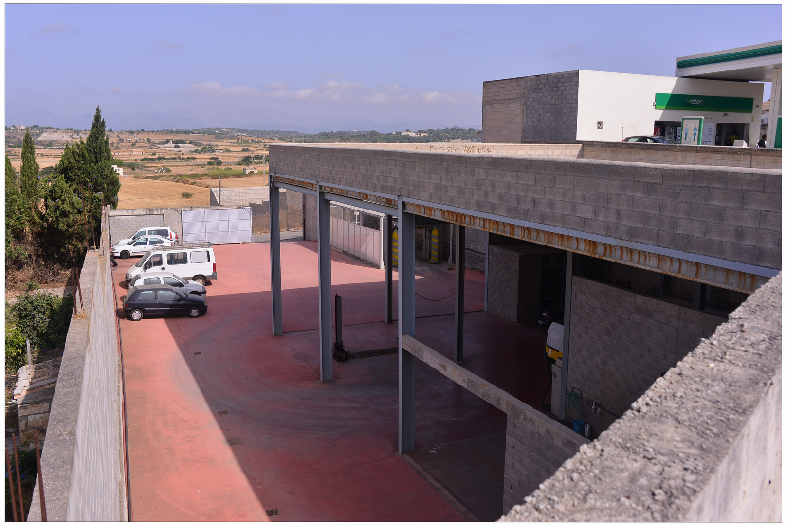 Mallorca 2012, Santa Margalida, cerca de la gasolinera