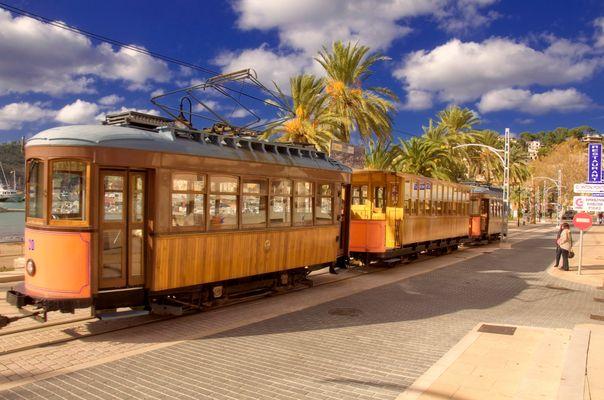 Mallorca - Historische Straßenbahn in Soller