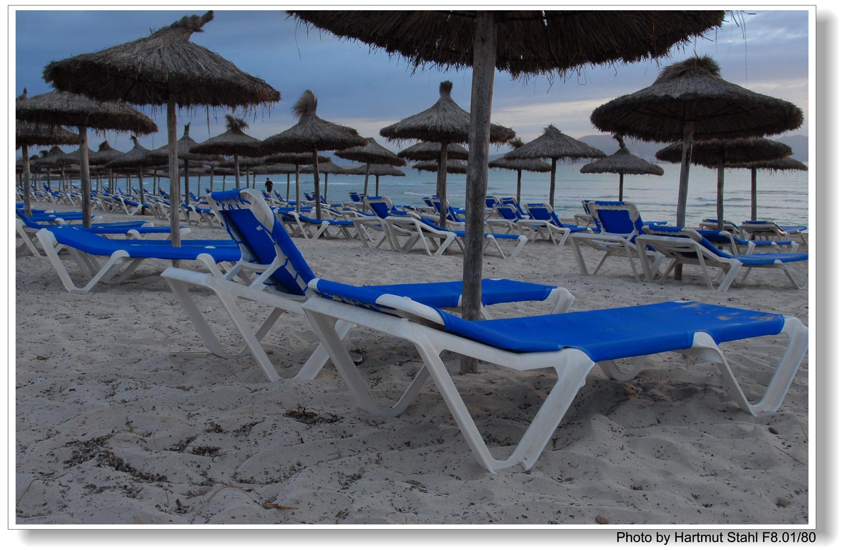 Mallorca, morgens am Strand ( en la playa por la manana)