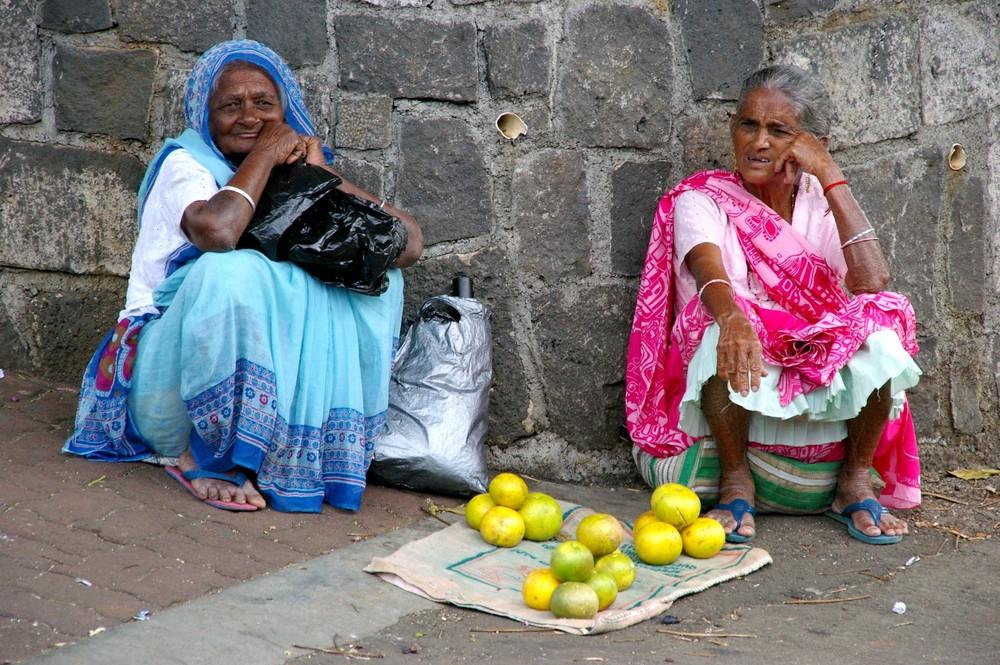 Mamies Mauriciennes et leurs pamplemousses