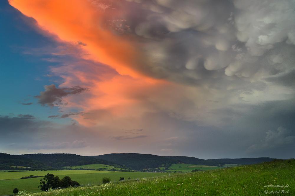 Mammatuswolken im Abendlicht