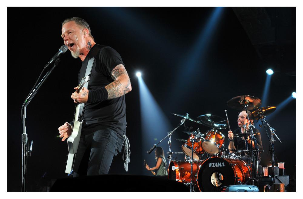 Man achte auf Drummer Lars Ulrich...