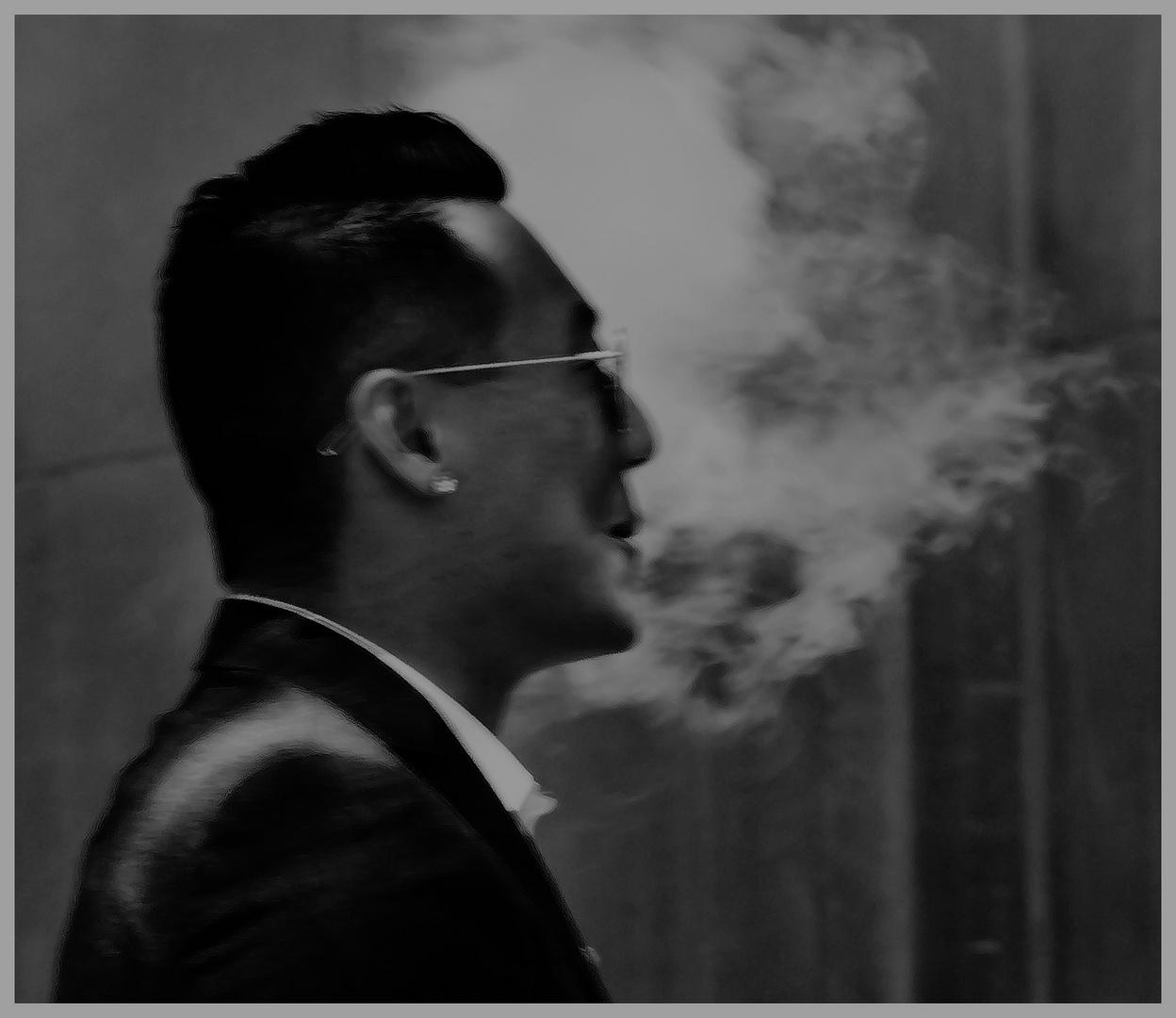 man und smoke