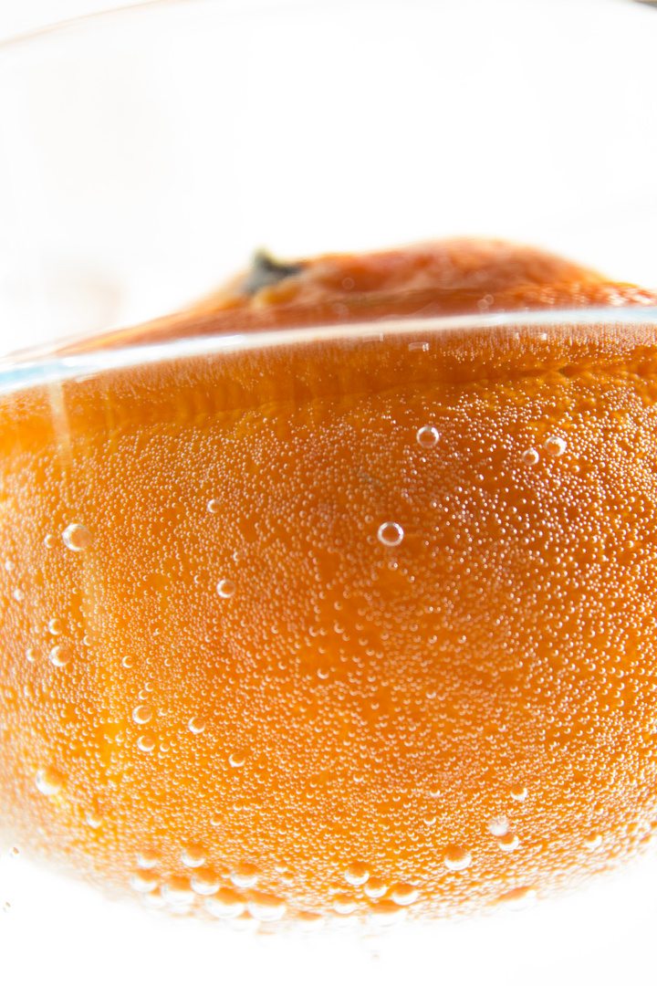 Mandarine im Wasser
