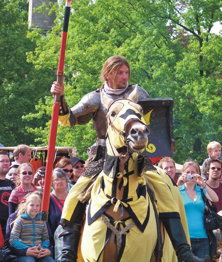 Mandschur Tengri auf Schloss Britz - www.kronenritter.de