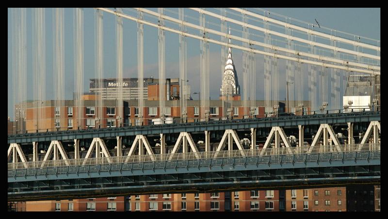 Manhattan Bridge und Chrysler Building