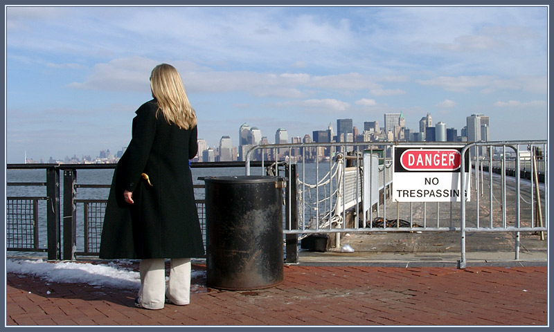 Manhattan - no threspassing