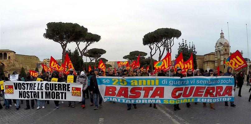 Manifestazione No alla Guerra a Roma...