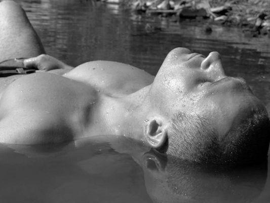 Mann im Wasser