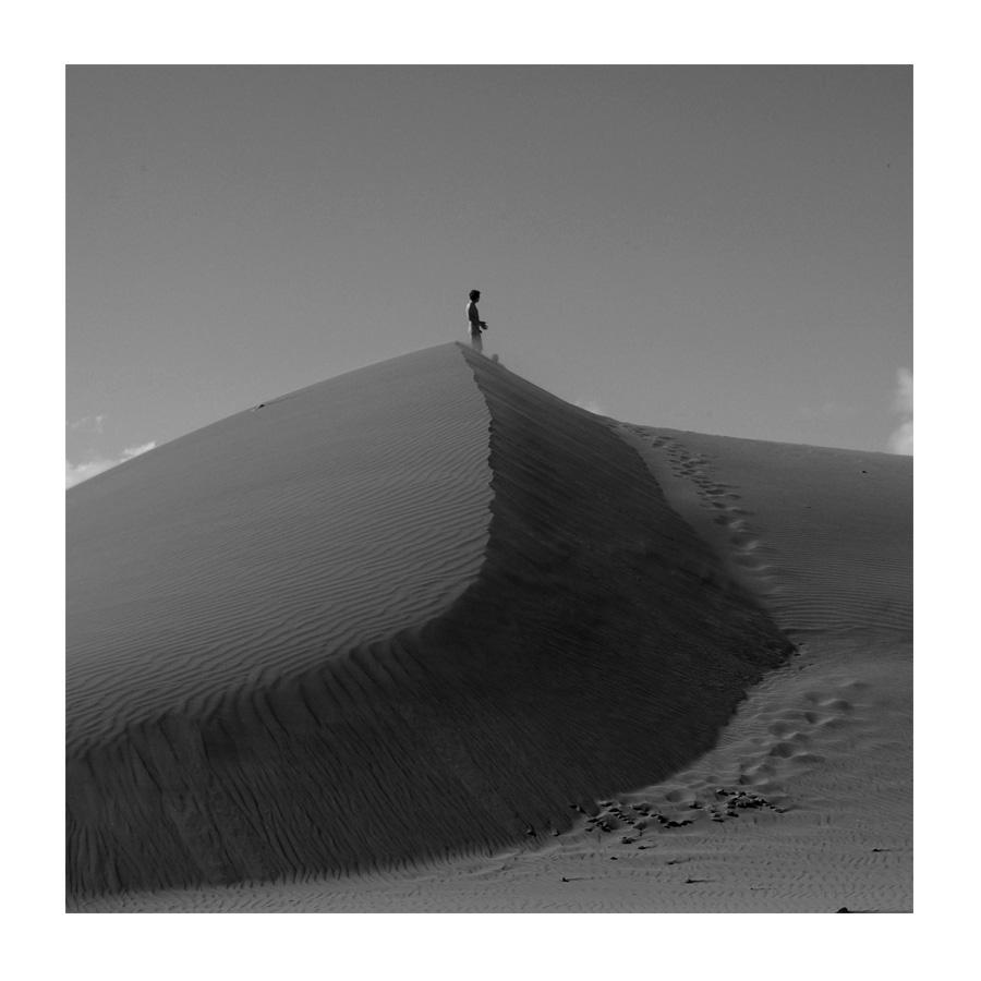Mann in den Dünen # 2