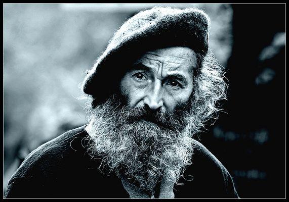 Mann mit Mütze