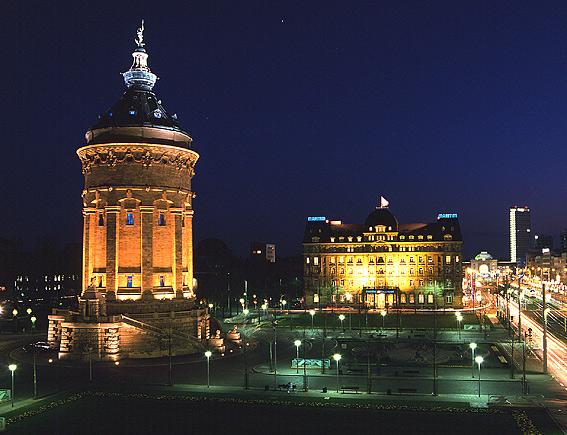 Mannheim wasserturm und maritimhotel bei nacht foto bild - Architektur mannheim ...