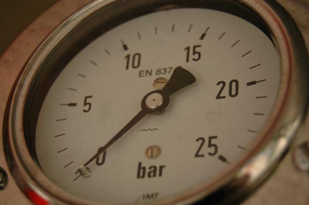 Manometer einer Feuerlösch-Kreiselpumpe FP16