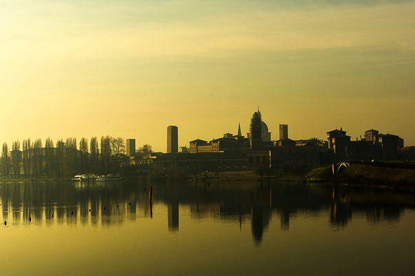 Mantova all'alba