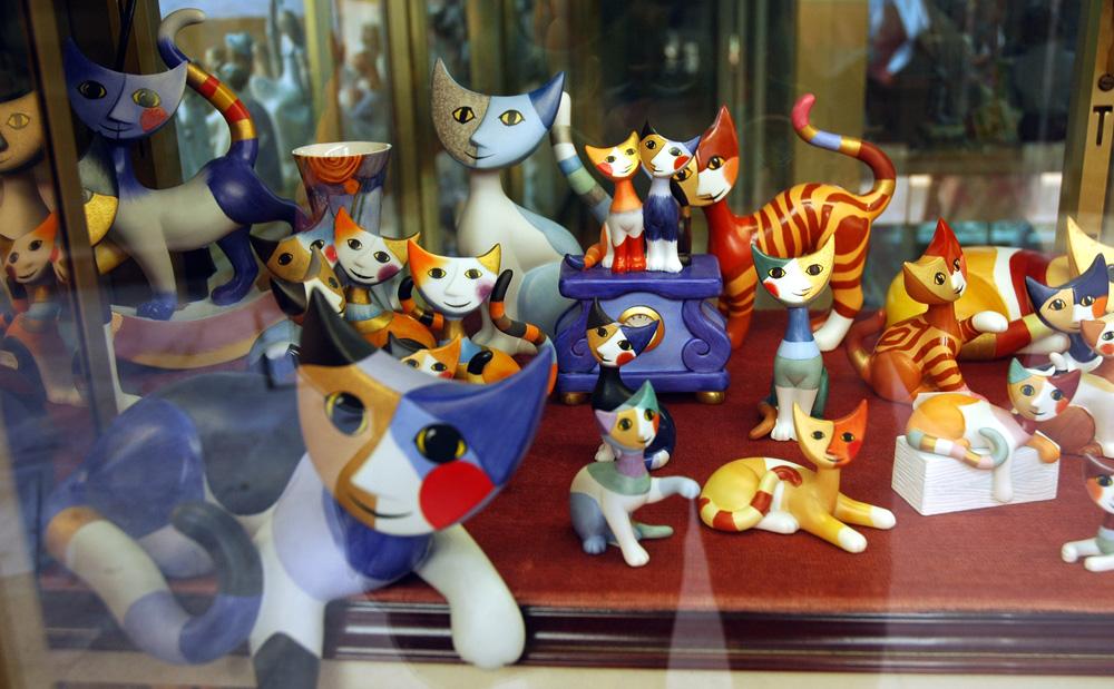 Many little kitties