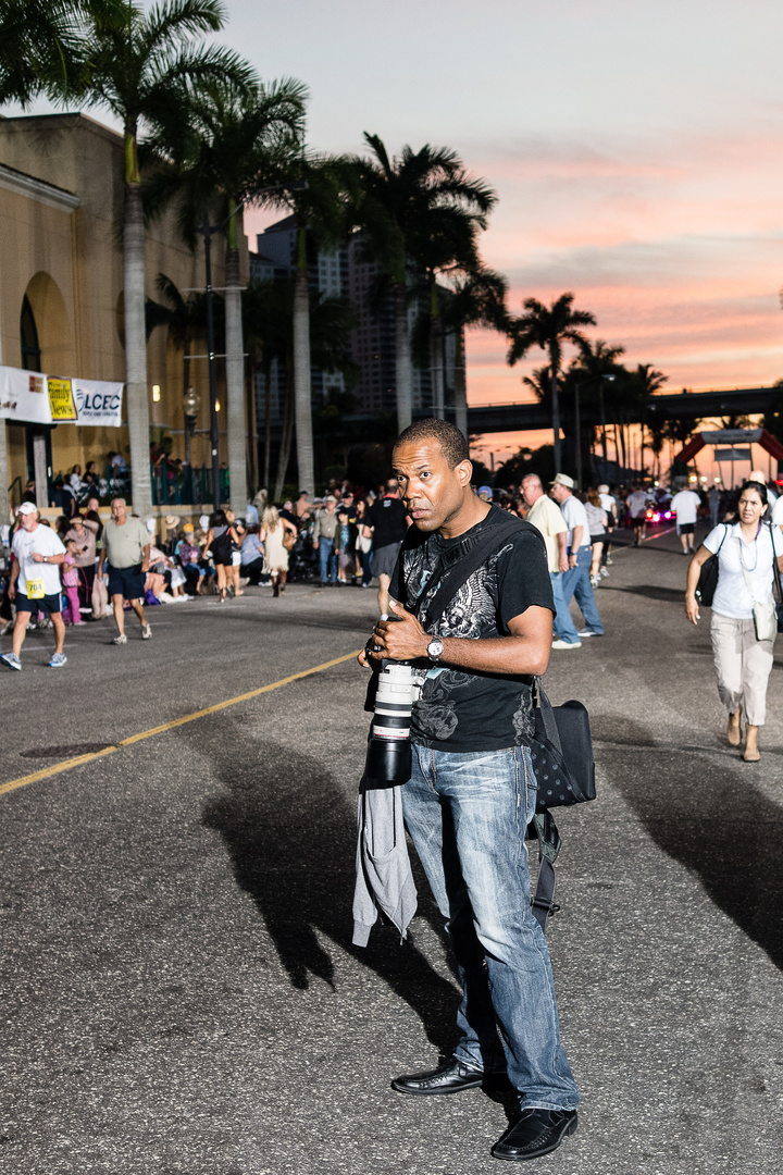 Marathon in Fort Meyers - a freelance photographer focuses on people and scenery