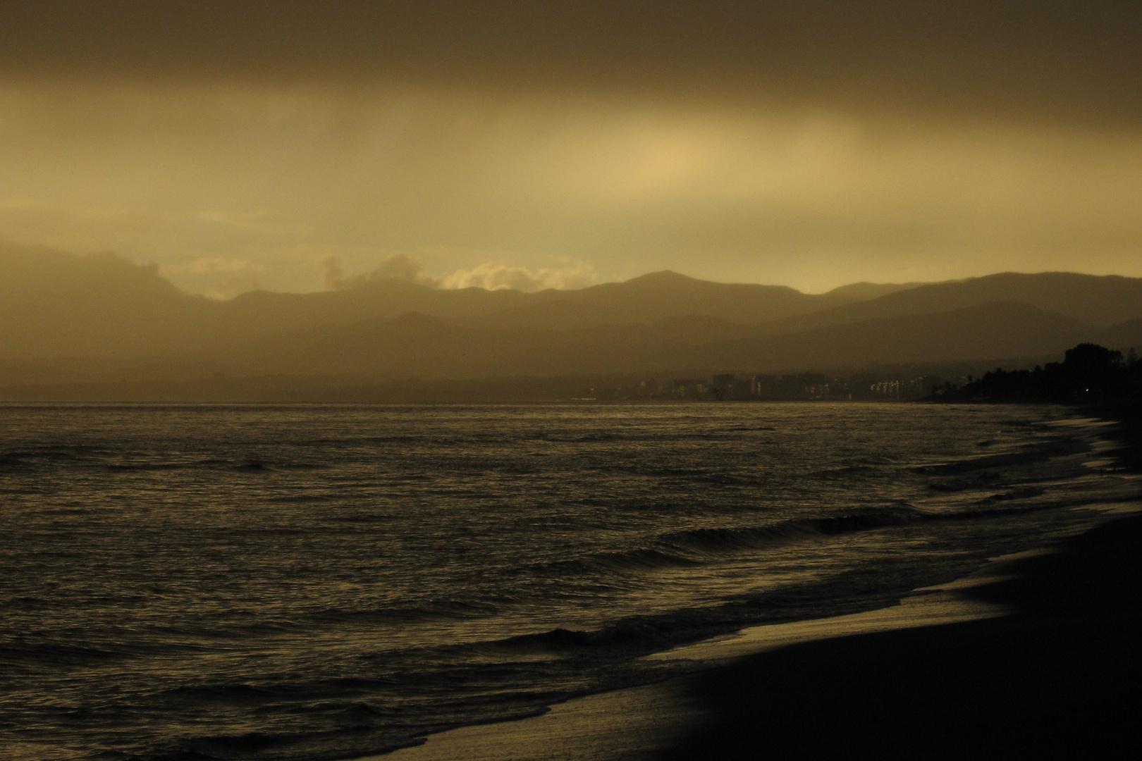 Marbella: Sonne und Regen