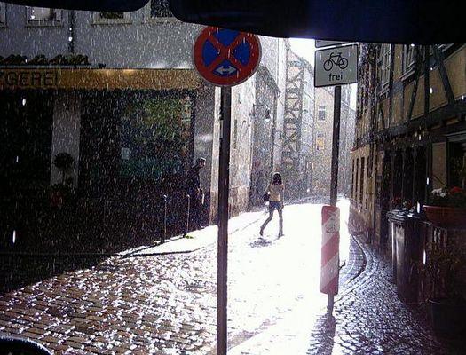 Marburg Zwischenhausen, Regen bei Sonne