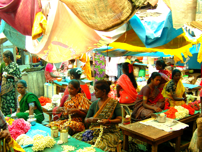 Marché aux fleurs en Inde