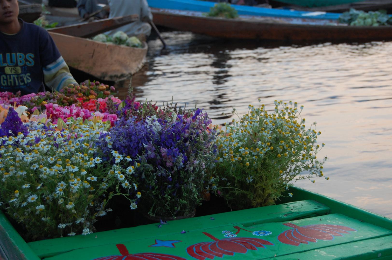Marché sur l'eau (Srinagar)