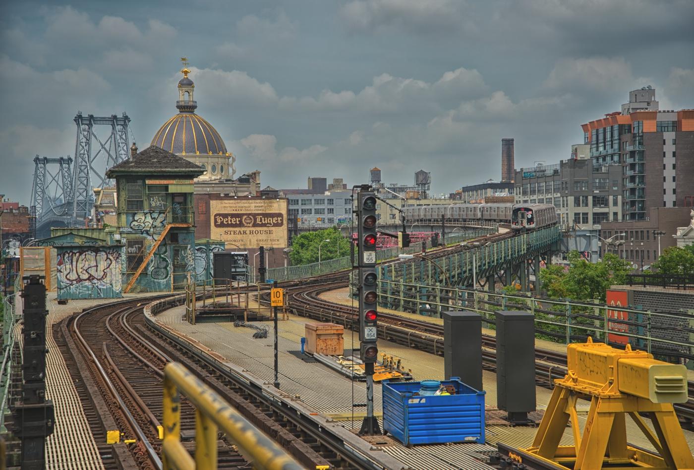 Marcy Ave Subway Station und Williamsburg Bridge