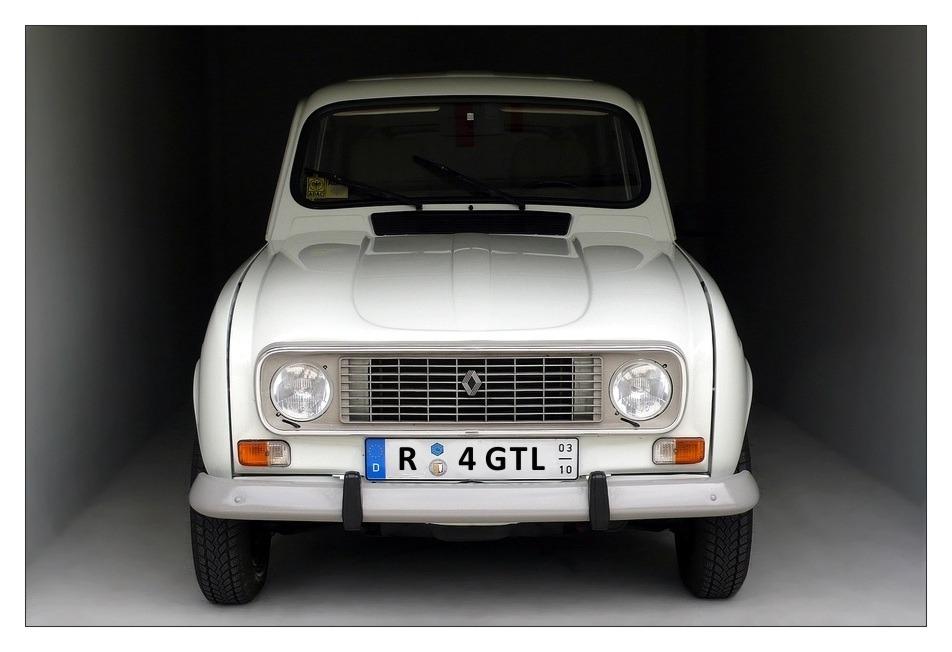Marie-Chantal / Renault R4