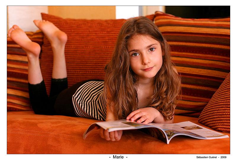 Marie en pleine lecture