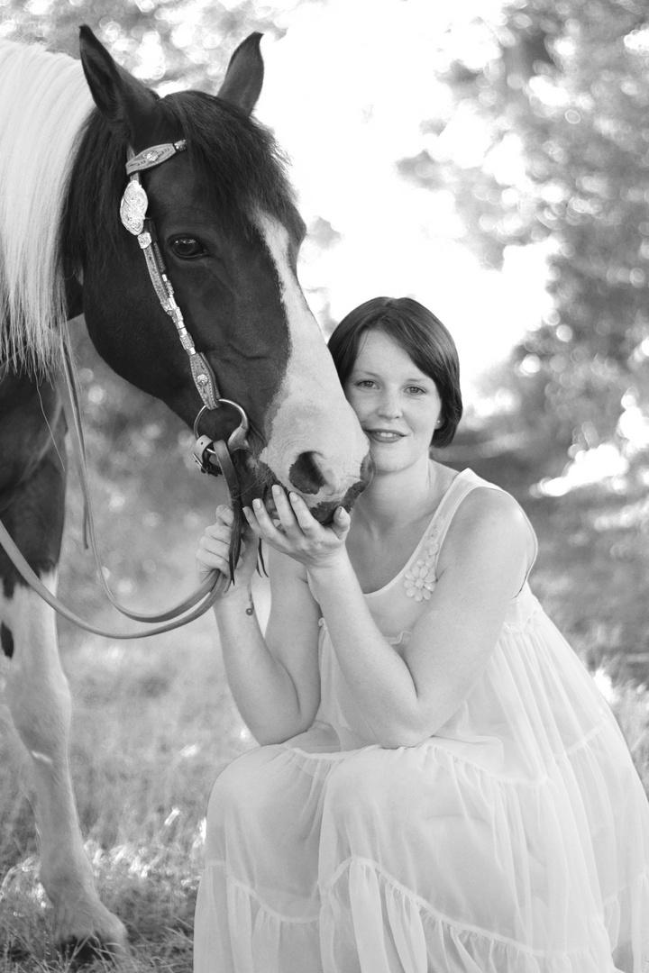 Marie mit Pferd 01