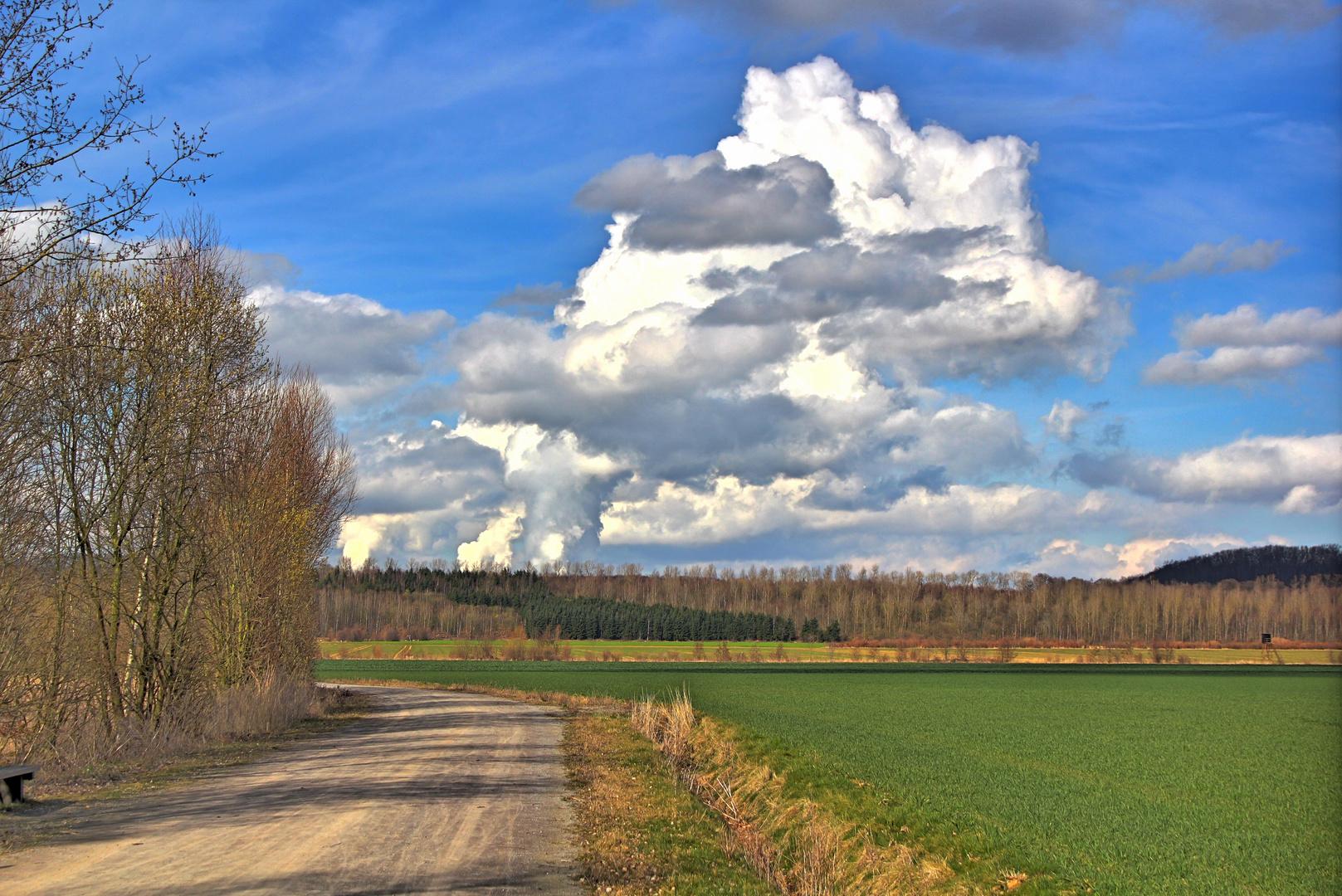 Marienfeld mit Wolkenmaschine