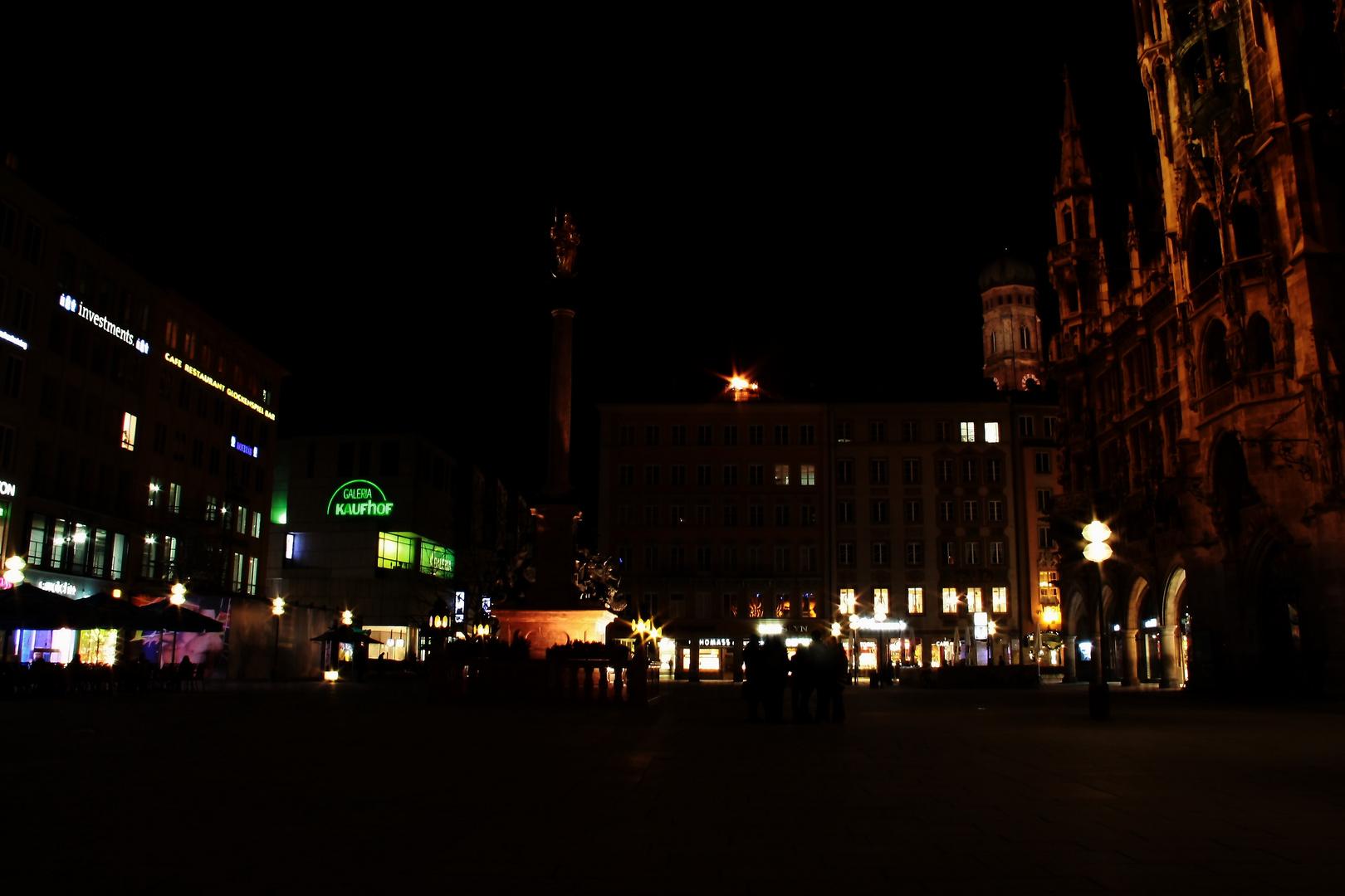 Marienplatz bei Nacht