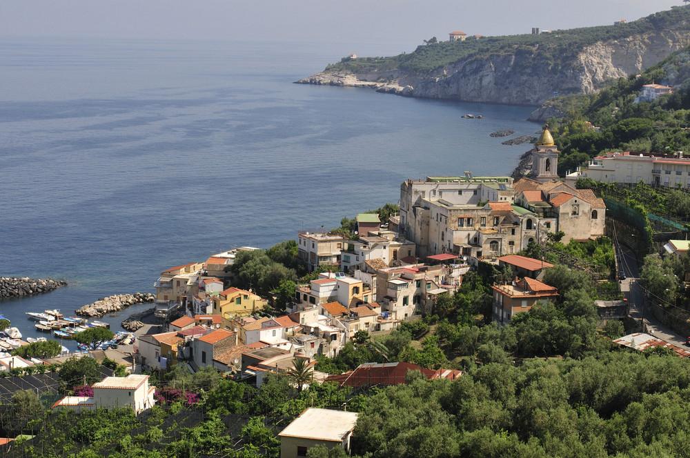 Marina della Lobra ist der Hafen von Massa Lubrense