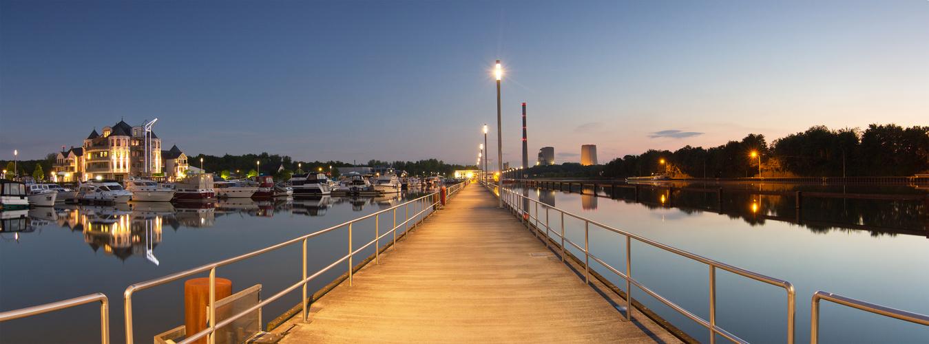 Marina Rünthe Yachthafen Panorama