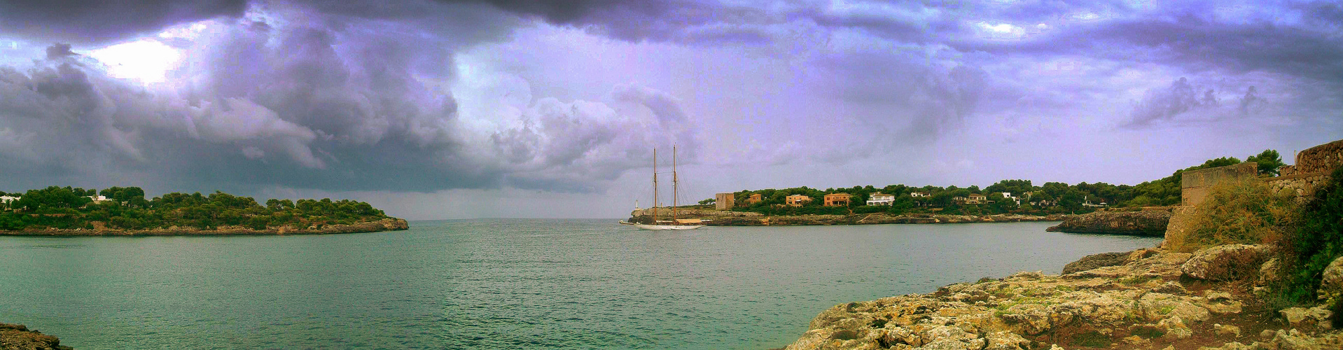 Marina y tormenta