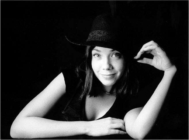 Marit med hatt