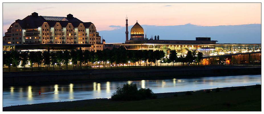 Maritim Hotel, Internationales Congress Center Dresden und Yenidze im Sommer 2007