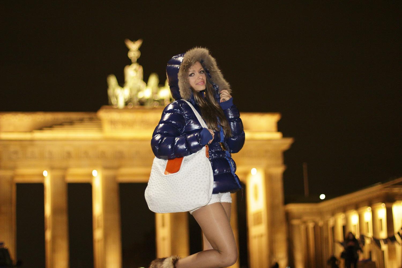 Mariya am Brandenburger Tor