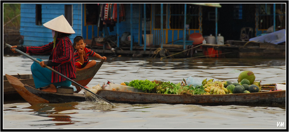 Market on the Tonle Sap...