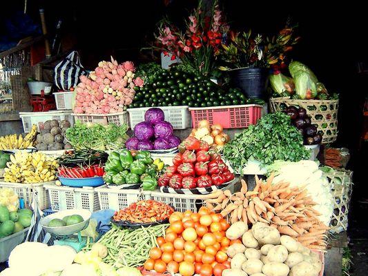 Markt auf Bali Früchte und Gemüse