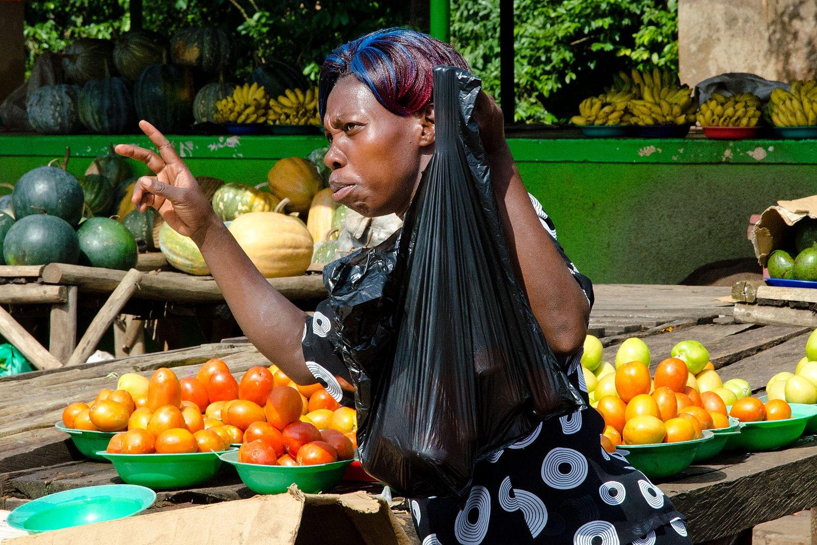 Marktfrau in Uganda