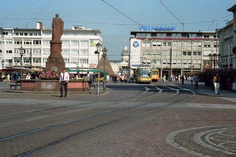 Marktplatz karlsruhe foto bild architektur - Architektur karlsruhe ...