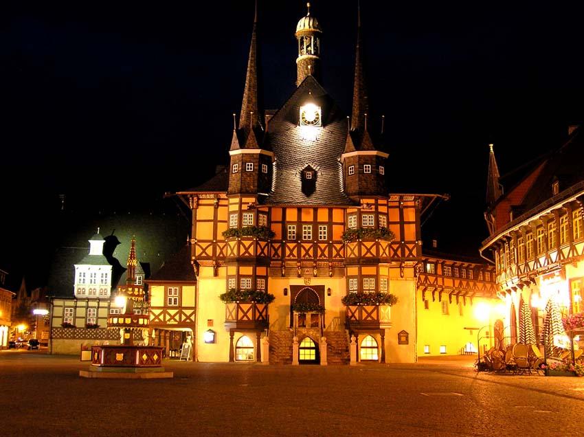 Marktplatz mit Rathaus in Wernigerode
