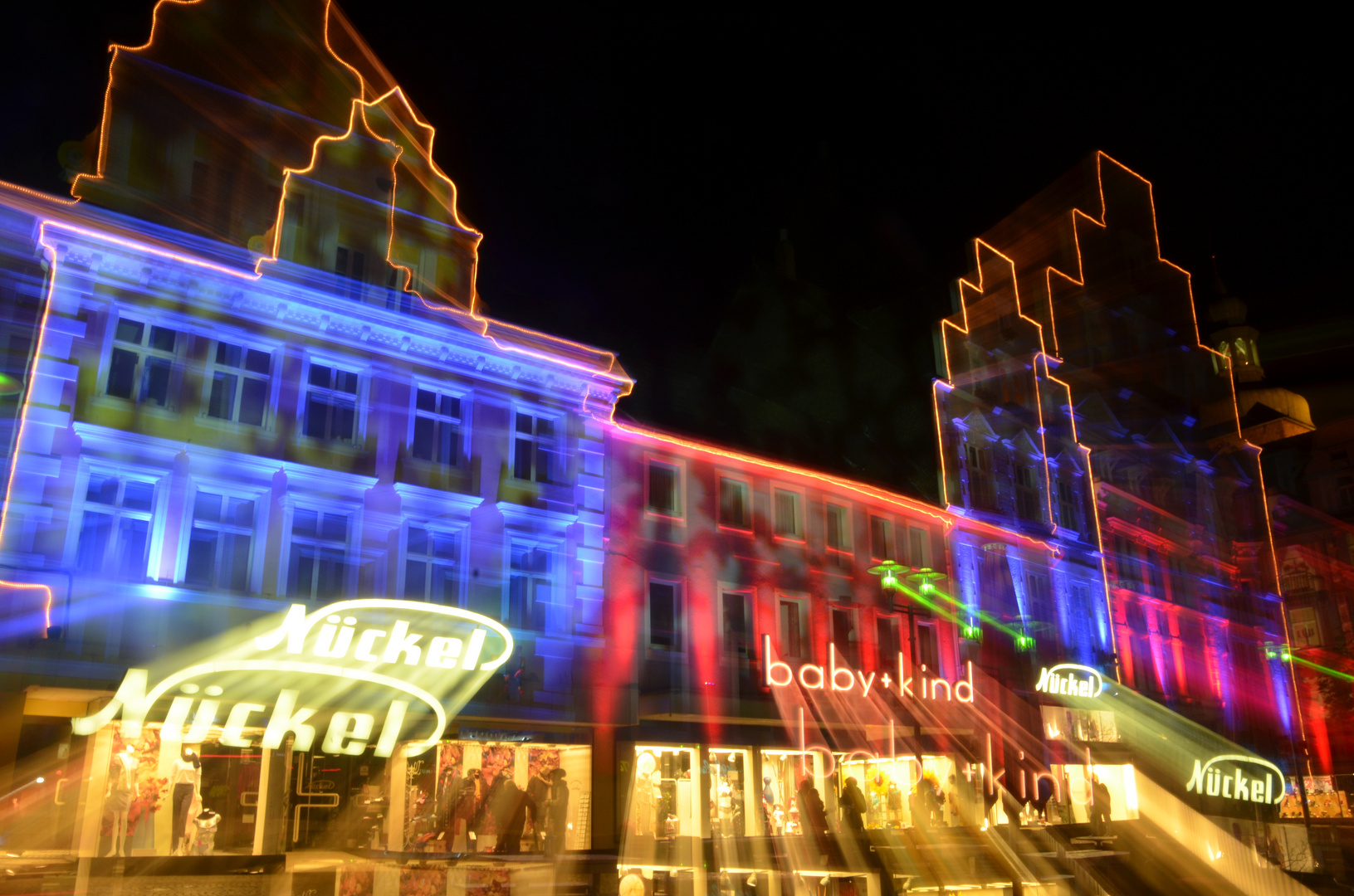 Marktplatz - RE leuchtet 2012