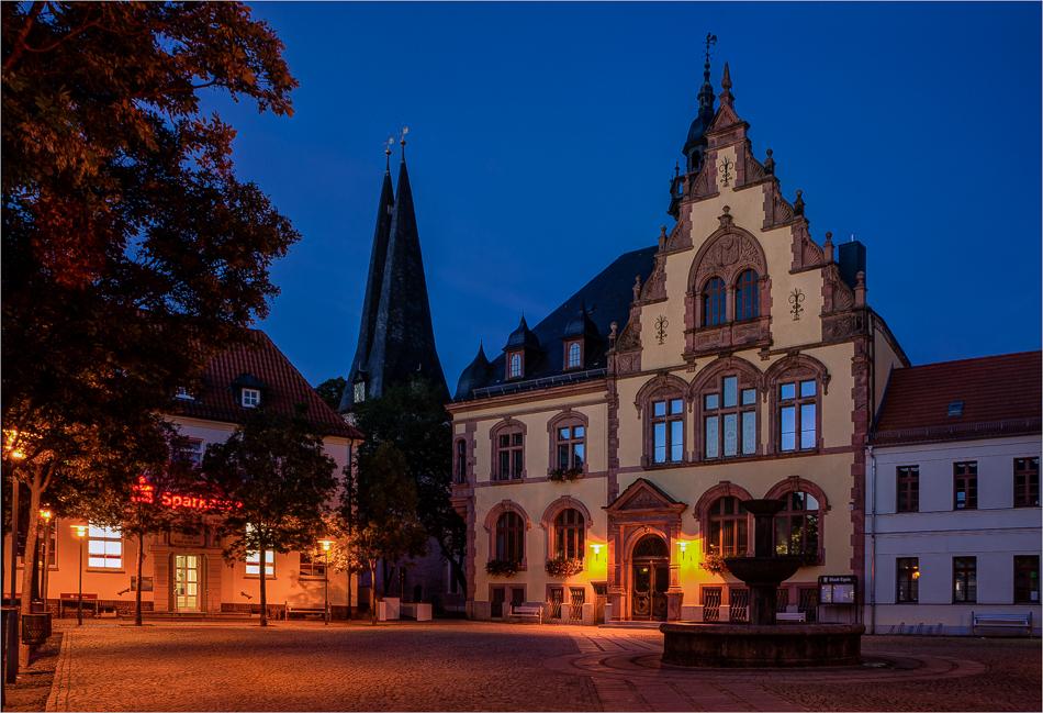Marktplatz und Rathaus Egeln